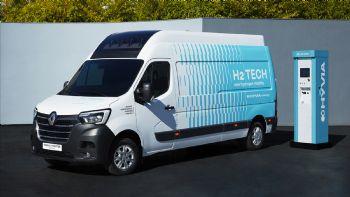 Το πρωτότυπο Renault Master Van H2-TECH αυτονομίας 500 χλμ., παρουσίασε η γαλλική κοινοπραξία HYVIA.
