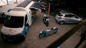 Χάρη στη συνεργασία του με τη γαλλική start-up «Green-Vision», το Renault Group επαναχρησιμοποιεί τις μπαταρίες των παλιών οχημάτων του, τροφοδοτώντας με ενέργεια από ηλεκτρικά ποδήλατα μέχρι καντίνες και Van διανομών. Μεγάλο εύρος χρήσης έχουν οι μπαταρίες των παλιών ηλεκτρικών Renault, από ποδήλατα μέχρι van.