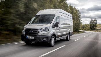 Ένα από τα πιο εμβληματικά Van της παγκόσμιας αυτοκινητοβιομηχανίας, το Ford Transit, διαθέτει πλέον την πιο ευρεία γκάμα της ιστορίας του, η οποία σύντομα θα περιλαμβάνει και ηλεκτρική εκδοχή. Ας δούμε μαζί, με τι επιλογές προκαλεί «πονοκέφαλο» στους υποψήφιους πελάτες της η Ford. Πιο πλήρες από ποτέ εμφανίζεται το Ford Transit. Ας το γνωρίσουμε...