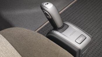Στις περιπτώσεις που ο οδηγός είναι ήδη κάτοχος διπλώματος, παύουν να ισχύουν οι περιορισμοί που σχετίζονται με τα αυτόματα κιβώτια ταχυτήτων σε όλες τις βαθμίδες διπλωμάτων οδήγησης. Αλλαγές στα διπλώματα οδήγησης