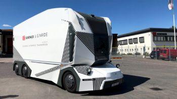 Το πρωτότυπο φορτηγό «T-Pod» της εταιρείας Einride ξεκίνησε τις πρώτες πιλοτικές δοκιμές εξέλιξης σε δημόσιο δρόμο της Σουηδίας, αποτελώντας μια πρωτιά σε πανευρωπαϊκό επίπεδο. To πρωτότυπο –Level 4- αυτόνομα κινούμενο φορτηγό των 26t. της Einride ξεκίνησε δοκιμές εξέλιξης σε δημόσιους δρόμους της Σουηδίας, χωρίς να φέρει καμπίνα οδηγού.
