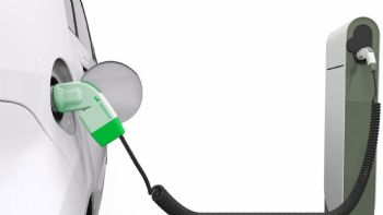 Εκπτώσεις στα τιμολόγια ηλεκτρικής ενέργειας και άλλα κίνητρα για την ενίσχυση της ηλεκτροκίνησης στη χώρας μας προτείνει σχετική μελέτη που εκπόνησε το Πολυτεχνείο. Διαβάστε περισσότερα. Με βάση τις προβλέψεις του ΕΜΠ, ως το 2030 θα υπάρχουν στην Ελλάδα 25.000 σταθμοί φόρτισης για τα 15.000 κυκλοφορούντα ηλεκτροκίνητα οχήματα.