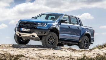 H κορυφαία και πιο δυναμική έκδοση του Καλύτερου Pick-Up για το 2020, αποτελεί ίσως το… κύκνειο άσμα μιας μορφής της αυτοκίνησης που φαίνεται πως σταδιακά θα εκλείψει! Το Ford Ranger Raptor αποτελεί την κορυφαία έκφανση των δυνατοτήτων που προσφέρουν τα οχήματα της κατηγορίας των Pick-Up.