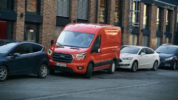 Ανακαλύψτε πως το προηγμένο σύστημα «Active Park Assist» της Ford, λύνει τα χέρια του επαγγελματία πίσω από το τιμόνι του νέου Transit, διευκολύνοντας περαιτέρω την καθημερινότητα του Το σύστημα Active Park Assist που υιοθετείται από τα νέα Transit & Transit Custom διευκολύνει σημαντικά την καθημερινότητα του επαγγελματία οδηγού…