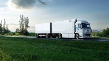 Μέχρι το τέλος του έτους, συνολικά 50 φορτηγά υδρογόνου «XCIENT» θα έχουν παραδοθεί στην Ελβετία, με τον στόχο να προβλέπει συνολικά 1.600 οχήματα έως το 2025!  Μέσα στον Σεπτέμβριο ξεκινούν οι παραδόσεων των πρώτων 50 Hyundai XCIENT Fuel Cell φορτηγών στην αγορά της Ελβετίας.