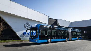 Δύο ηλεκτρικά λεωφορεία Irizar, ένα 12 και ένα 18 μέτρων, απέκτησε η η πόλη Μπουργκάς της Βουλγαρίας.