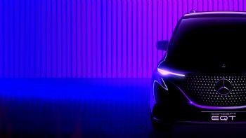 Η Mercedes-Benz έδωσε στη δημοσιότητα μια πρώτη εικόνα του νέου ηλεκτροκίνητου μοντέλου της, EQT, λίγο πριν από την επίσημη αποκάλυψη της που θα πραγματοποιηθεί την 10η Μαϊου.  Στις αρχές Μαρτίου, η Mercedes-Benz θα παρουσιάσει το νέο μοντέλο «EQT», την ηλεκτρική δηλαδή έκδοση της μελλοντικής «T-Class» που θα βασίζεται στο νέο Citan.