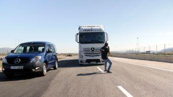 Η Mercedes-Benz Ελλάς κατάφερε εκ νέου να ενθουσιάσει τους επαγγελματίες που επισκέφθηκαν το Αυτοκινητοδρόμιο Μεγάρων, προκειμένου να βιώσουν με έναν πρωτόγνωρο τα συστήματα ασφάλειας που προσφέρει. Πρωτόγνωρη εμπειρία ασφάλειας!