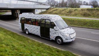 Την πρώτη του εμφάνιση έκανε το νέο Mercedes Sprinter στην έκδοση Mini-Bus, φέροντας ωστόσο ένα