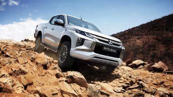 Η Mitsubishi Motors Company παρουσίασε τη νέα γενιά του L200, που θα ξεκινήσει την εμπορική του πορεία στην Ταϊλάνδη στις 17/11 και μετέπειτα θα λανσαριστεί σταδιακά σε περίπου 150 χώρες παγκοσμίως. Η νέα γενιά του Mitsubishi L200 παρουσίασε επίσημα στην Ταϊλάνδη, από όπου και θα ξεκινήσει η εμπορική του πορεία στις 17 Νοεμβρίου.