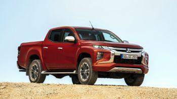 H ελληνική αντιπροσωπεία της Mitsubishi ανακοίνωσε το κόστος αγοράς και τον εξοπλισμό των διαφόρων εκδόσεων του νέου L200. Ανακαλύψτε πρώτοι πόσο περιορισμένο είναι το κόστος αγοράς του! Το νέο L200 είναι πλέον διαθέσιμο στην Ελλάδα στις εκδόσεις Invite, Intense Plus και Instyle, με επιμηκυμένη ή διπλή καμπίνα.