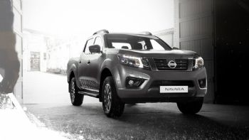 Η ελληνική αντιπροσωπεία της Nissan, ανακοίνωσε την έναρξη των πωλήσεων της νέας «σκληροτράχηλης» έκδοσης «N-Guard» για το Navara που διακρίνεται για τον πλούσιο εξοπλισμό και την ιδιαίτερη αισθητικής της. Διαθέσιμη και στην ελληνική αγορά με κόστος από 37.040 ευρώ είναι ήδη η νέα έκδοση «N-Guard» του Nissan Navara.
