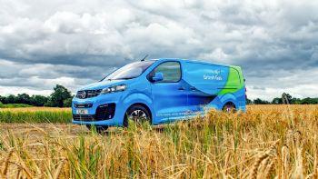 Η εταιρεία «British Gas» προχώρησε στη μεγαλύτερη παραγγελία αμιγώς ηλεκτροκίνητων οχημάτων, επιλέγοντας το Vivaro-e της Vauxhall, θυγατρικής του Ομίλου PSA.  Η British Gas προχώρησε στην παραγγελία 1.000 ηλεκτροκίνητων Vivaro-e ενώ…