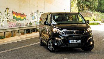 Η 9θέσια έκδοση «Business Lux» του Peugeot Traveller με τον κινητήρα των 180hp συνδυάζει την εξαιρετική σχέση τιμής – αξίας με την πολυτελή εμφάνιση και το υψηλό επίπεδο άνεσης και ασφάλειας που προσφέρει.  Πολυτέλεια σε τιμή ευκαιρίας!