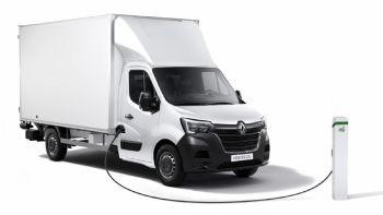 Το ηλεκτροκίνητο Renault Master Z.E. θα είναι σύντομα διαθέσιμο σε διάφορες αγορές της ΕΕ σε νέες εκδόσεις με πολλαπλούς τύπους αμαξώματος και ωφέλιμο φορτίο έως και 1,7t.  Το Renault Master Z.E. θα είναι σύντομα διαθέσιμο και σε πολλαπλές νέες εκδόσεις αμαξώματος με ωφέλιμο όγκο έως και 20 κ.μ.!