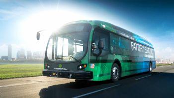 Η πρόταση της Επιτροπής Περιβάλλοντος βάζει και τα αστικά λεωφορεία στο πρόγραμμα για τη μείωση των εκπομπών αερίων ρύπων. Δείτε τι προτείνει. H Επιτροπή Περιβάλλοντος πρότεινε να μπουν και τα αστικά λεωφορεία στο πρόγραμμα.