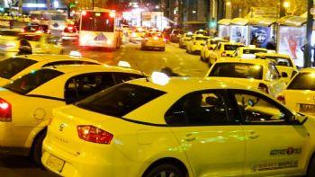 Δείτε πως καθορίζονται πλέον τα κριτήρια χωροθέτησης των θέσεων στάσης / στάθμευσης των Ε.Δ.Χ. Taxi με βάση την νέα απόφαση του υπουργείου Υποδομών και Μεταφορών.  Τα νέα δεδομένα για τις πιάτσες των Taxi