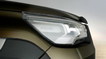 Με πολλαπλές αισθητικές και δομικές αναβαθμίσεις, το ανανεωμένο Hilux ξεκινά σταδιακά την εμπορική του πορεία σε παγκόσμιο επίπεδο. Ανακαλύψτε όλα όσα γνωρίζουμε μέχρι στιγμής εδώ…  Το ανανεωμένο Toyota Hilux αναμένεται να ξεκινήσει την εμπορική του πορεία στις διάφορες αγορές της ΕΕ μέχρι το φθινόπωρο του τρέχοντος έτους.