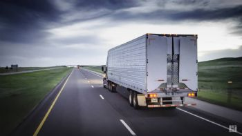 Εκτυπώστε και κρατήστε μαζί σας κατά τη διάρκεια των δρομολογίων, τη λίστα με τα προτεινόμενα μέτρα προστασίας για οδηγούς φορτηγών που επιμελήθηκε η ΟΦΑΕ. Λίστα οδηγιών για οδηγούς φορτηγών