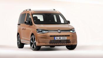 Η Volkswagen Επαγγελματικά Οχήματα παρουσίασε τις πρώτες επίσημες εικόνες και στοιχεία για τη 5η γενιά του Caddy που φαντάζει πληρέστερο και πιο αποδοτικό από ποτέ! Η Volkswagen έδωσε στη δημοσιότητα τις πρώτες επίσημες εικόνες και αρκετά στοιχεία αναφορικά με τη νέα -5η- γενιά του Caddy.