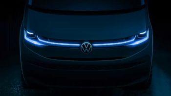 Τη νέα γενιά του Multivan, που παρουσιάστηκε για πρώτη φορά το 1985, ετοιμάζεται να λανσάρει αργότερα μέσα στο τρέχον έτος η Volkswagen Commercial Vehicles. Μια πρώτη ματιά στο νέα γενιάς VW Multivan, μέσω του οποίου θα γνωρίσουμε και το νέο Transporter.