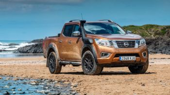 Νέο Nissan Navara AT32 (+video)