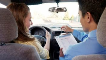 Η αμοιβή των εξεταστών οδηγών
