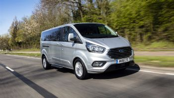 Υβριδικό Ford Tourneo Custom