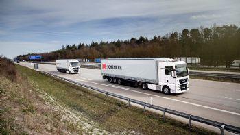 Ολο και πιο κοντά τα αυτόνομα φορτηγά