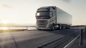 Η Volvo Trucks επενδύει στα εναλλακτικά καύσιμα